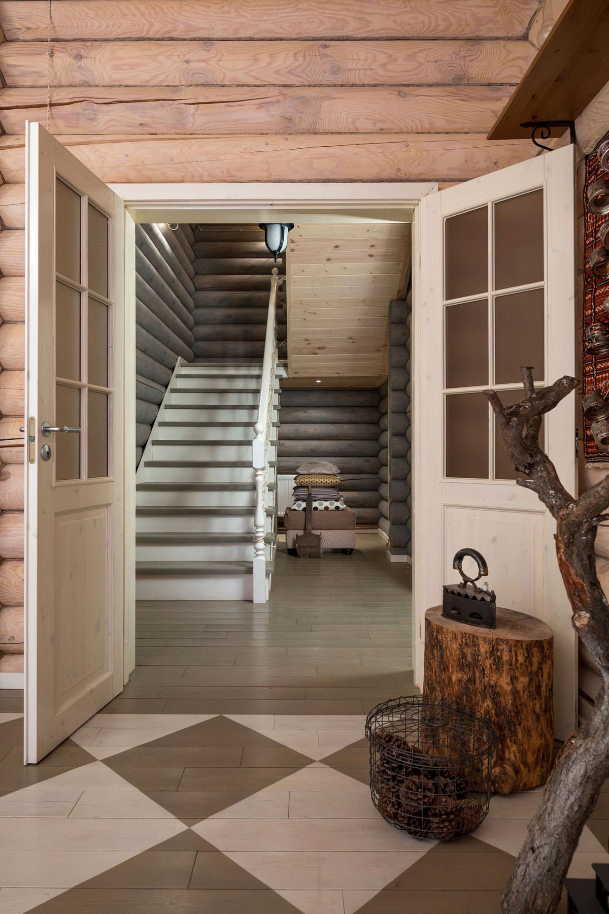миллиардер подарил коридор в деревянном доме дизайн фото это