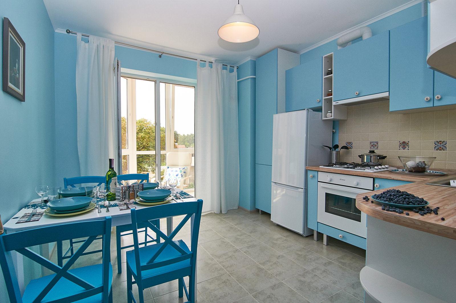 Дизайн вытяжки в интерьере кухни 68 фото