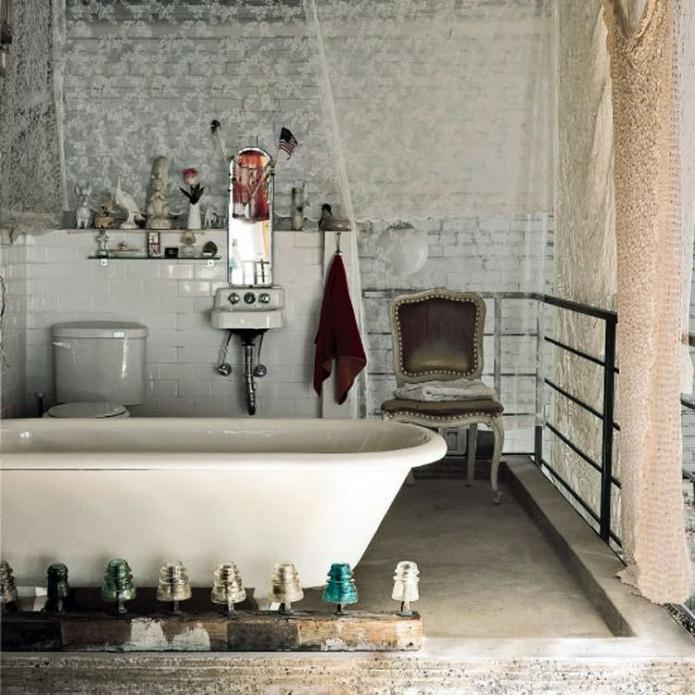 Стиль гранж в интерьере ванной