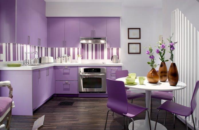 Интерьер кухни сиреневого цвета