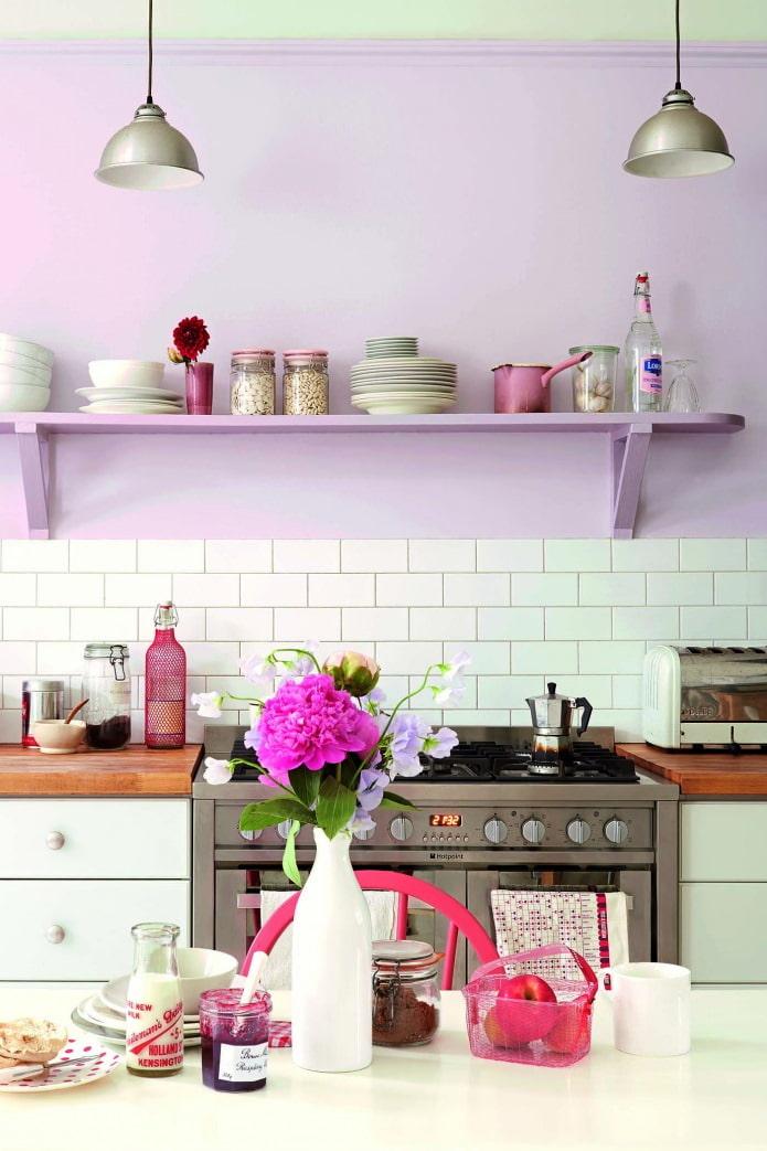 дизайн кухни сиреневого цвета