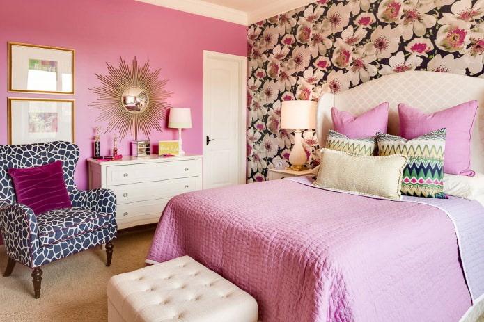 Комбинированные обои в спальне: однотонные и узорчатые