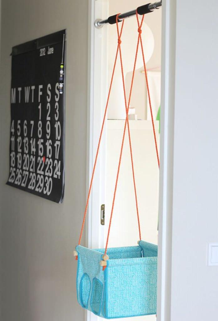 Как сделать качели для квартиры