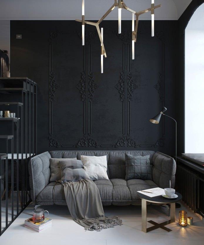 Студия с высокими потолками