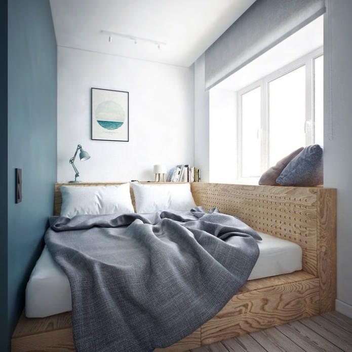 Кровать-подиум в спальне
