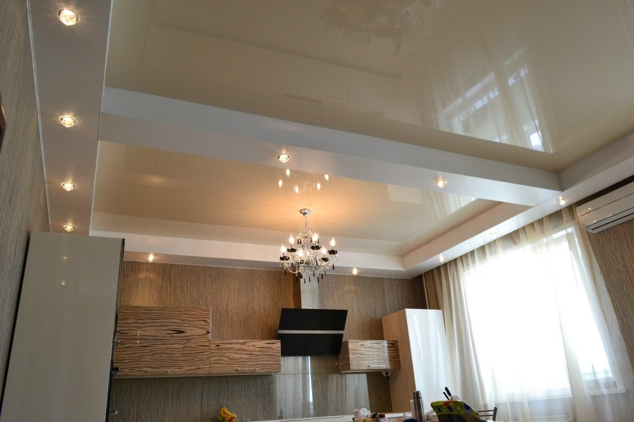 Натяжной потолок на кухне: как выбрать материал и дизайн ( фото)