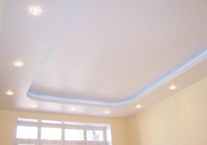 Потолок из гипсокартона в маленькую кухню