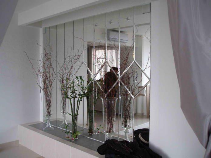 Зеркальная плитка в интерьере: идеи по оформлению, фото