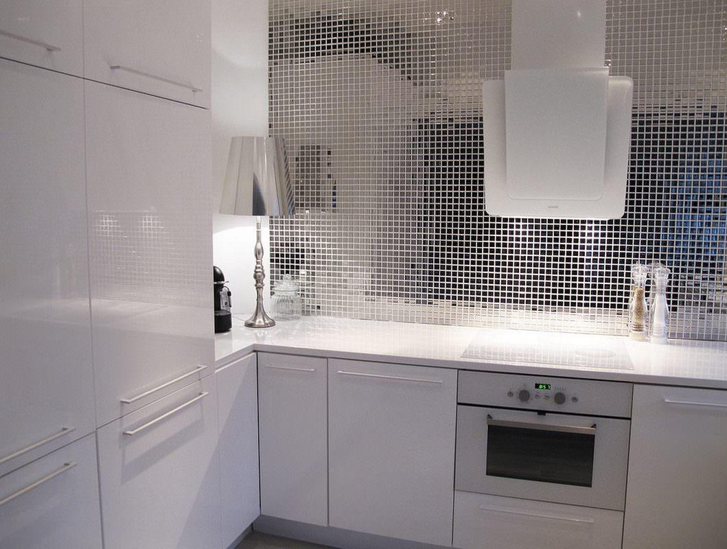 Стеклянная плитка для модного интерьера кухни - Статьи StroyWay