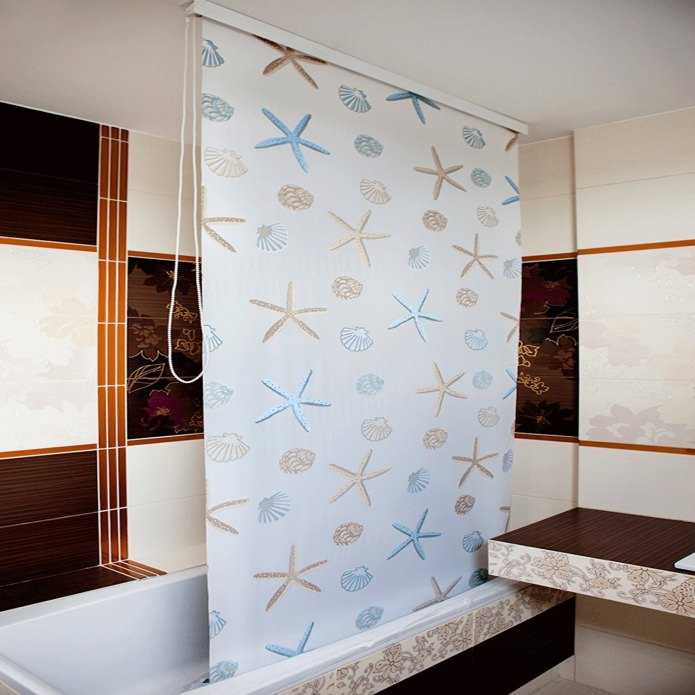 шторка для ванной комнаты с потолочным карнизом