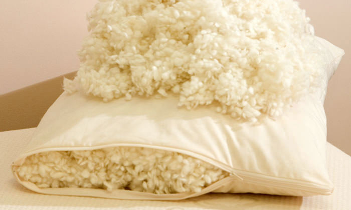 подушка из шерсти для ребенка