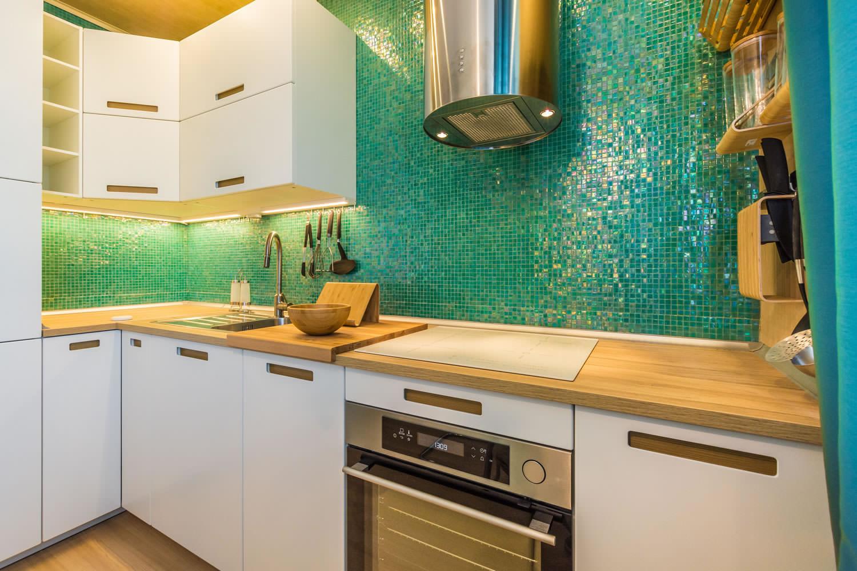 вот кухонный фартук из кафеля фото дорогую мамулечку