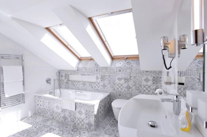 Плитка в стиле пэчворк в ванной комнате