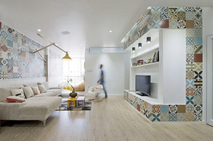 Плитка в стиле пэчворк в гостиной
