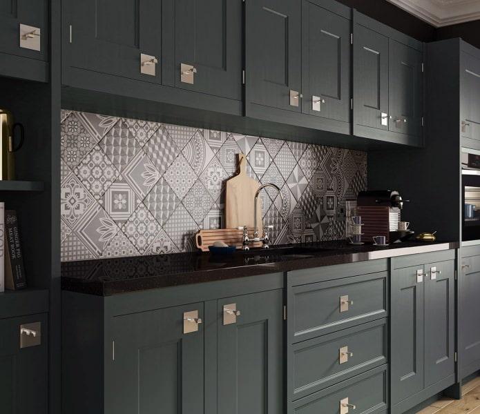 Плитка пэчворк в интерьере кухни