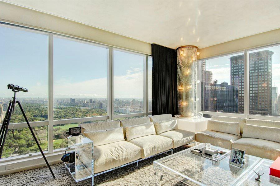 Дизайн квартиры с витражными окнами