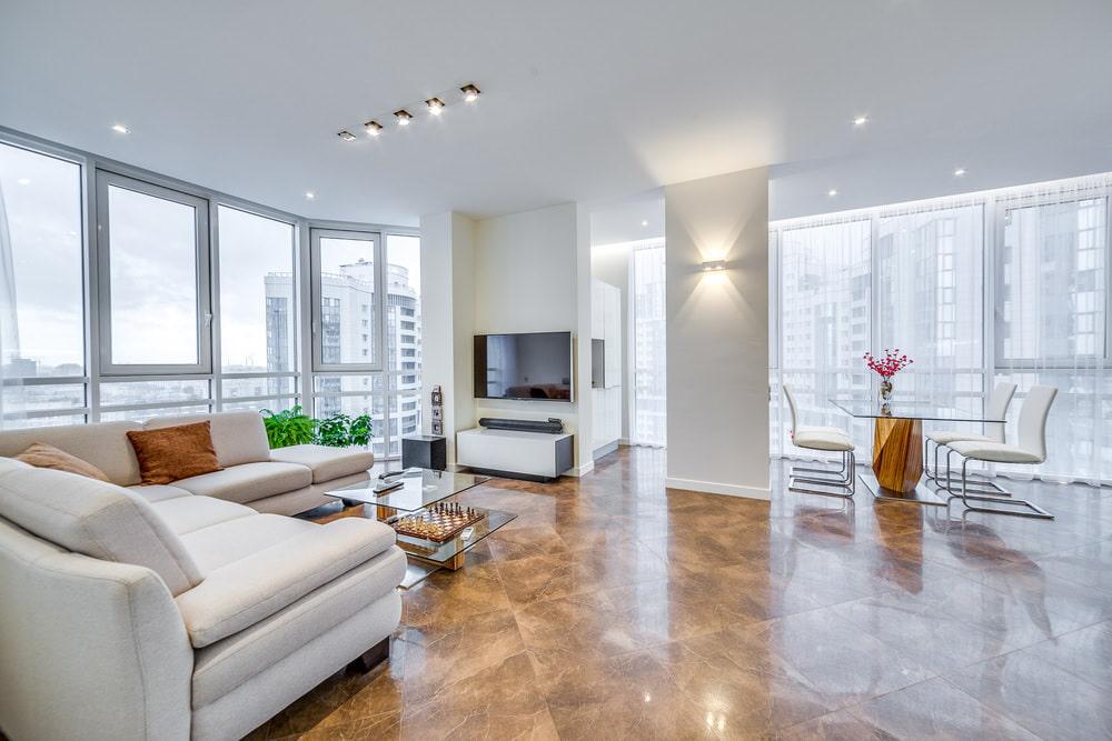 Интерьер квартир с панорамными окнами