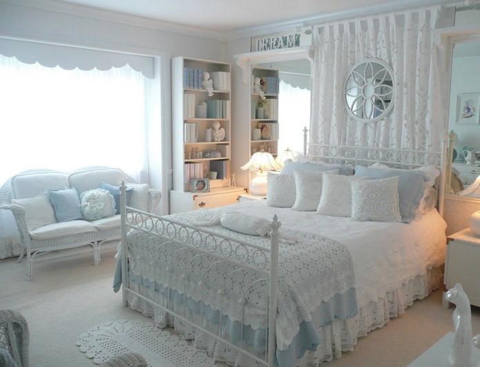 дизайн спальни для девушки в стиле шебби-шик