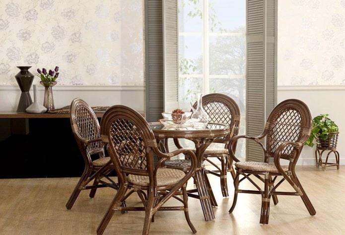 Плетеные стулья в интерьере