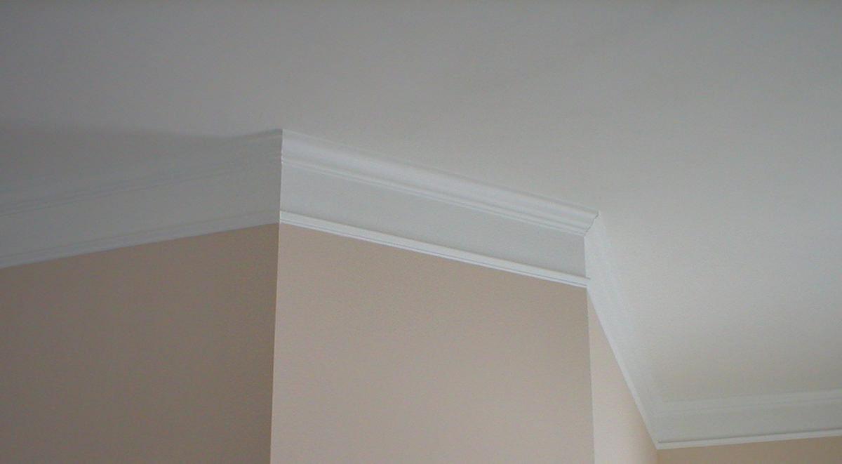 плинтус потолочный для натяжного потолка фото