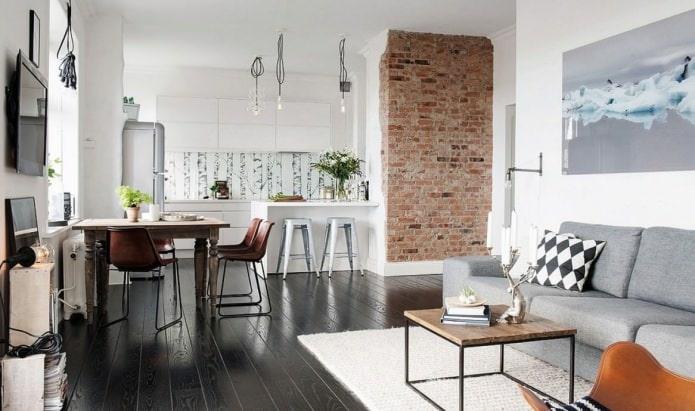 Кирпич в интерьере кухни-гостиной