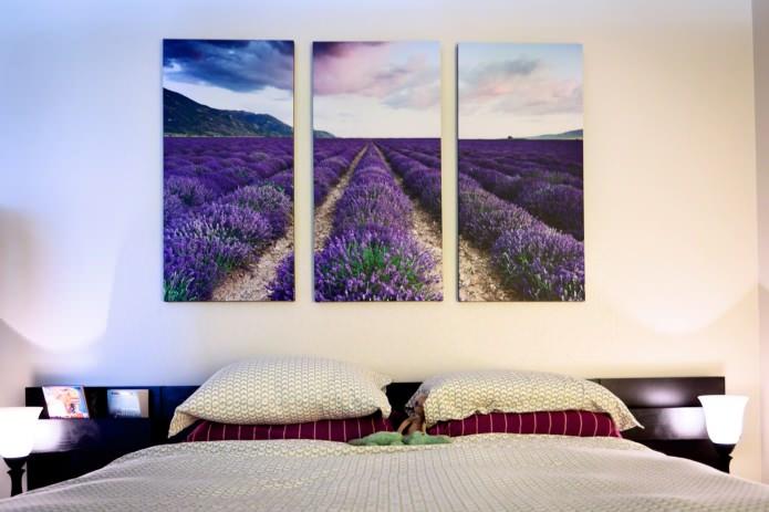 модульная картина с цветами в дизайне спальни