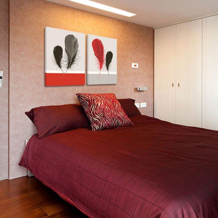 Современная модульная картина в интерьере спальни