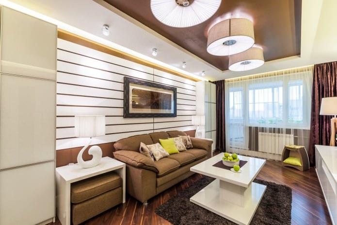 шторы в бело-коричневой гостиной