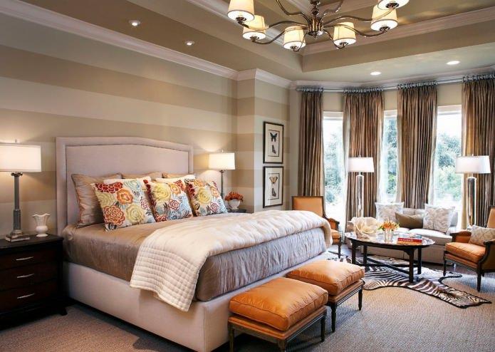 Оранжевый и коричневый цвет в дизайне спальни