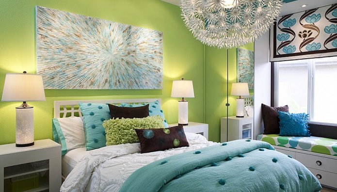 Интерьер спальни в зелено-голубом цвете