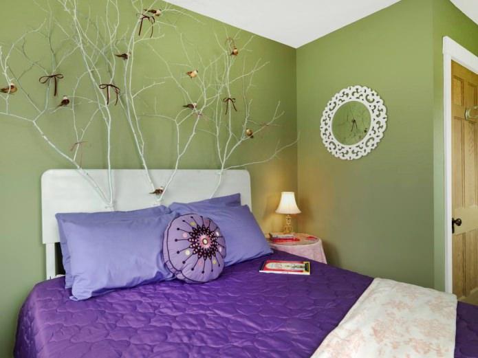 Зелено-фиолетовая спальня
