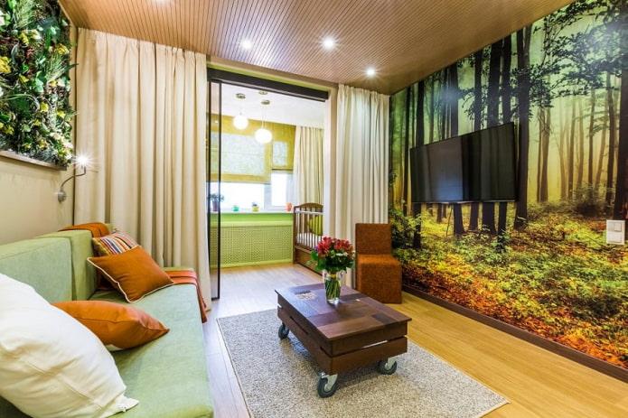зеленые фотообои и бледно-желтые шторы