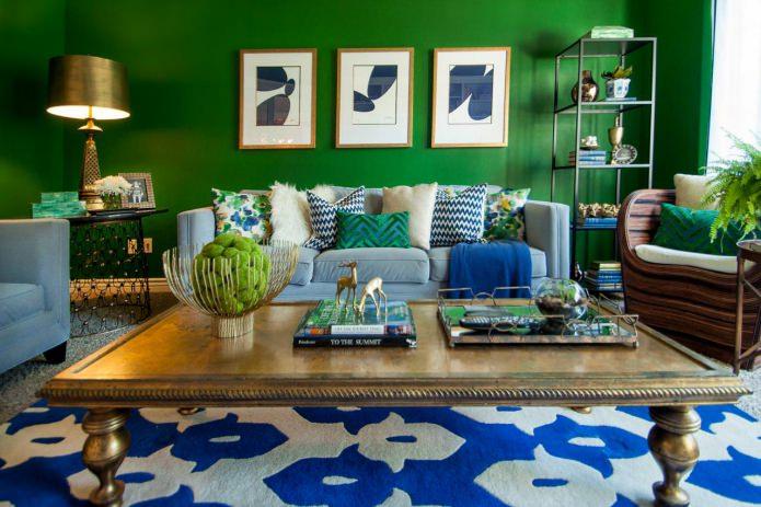 Сине-зеленый цвет в интерьере гостиной