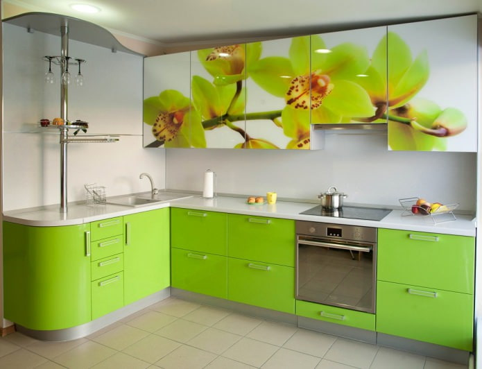Желто-зеленый гарнитур