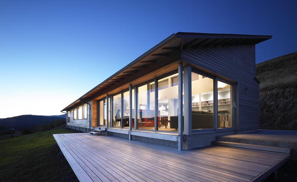 Загородный дом с панорамными окнами