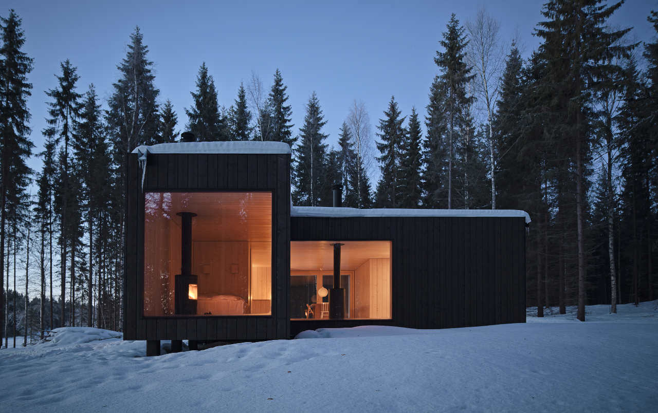 одноэтажный дом с панорамными окнами