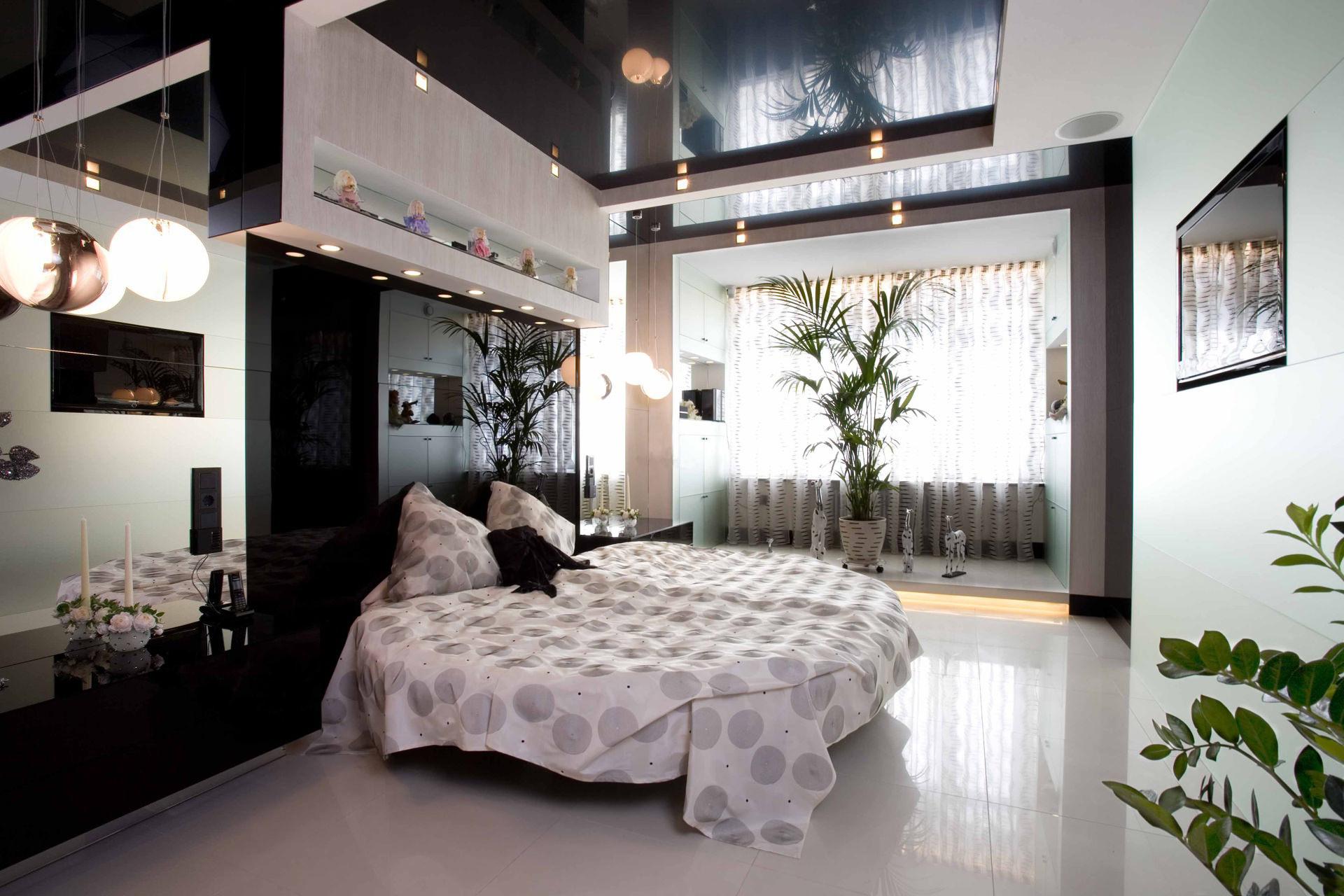 Кровать под потолком в интерьере спальной: особенности, устройство и варианты установки