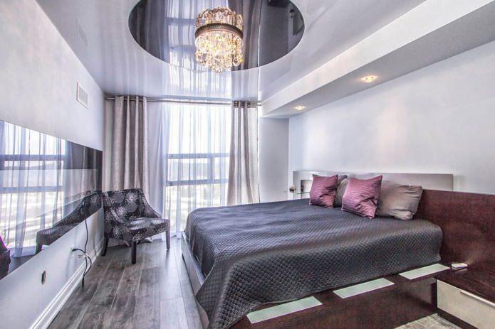 Натяжные потолки в спальне: варианты, дизайн, цвет, освещение