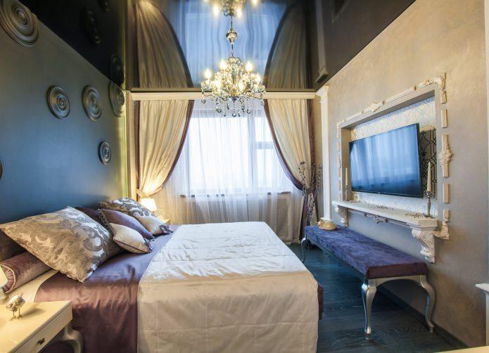 черный одноуровневый натяжной потолок в интерьере спальни