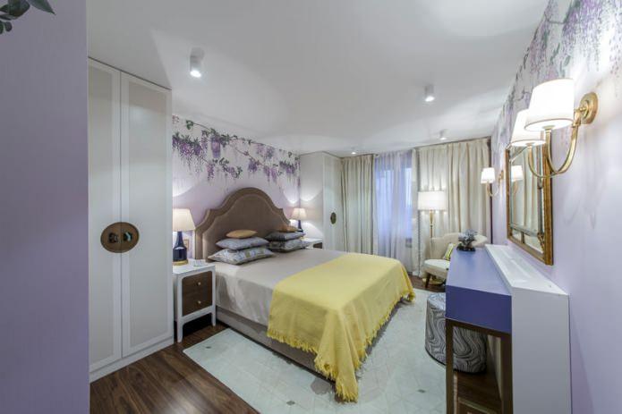 белый одноуровневый натяжной потолок в интерьере спальни