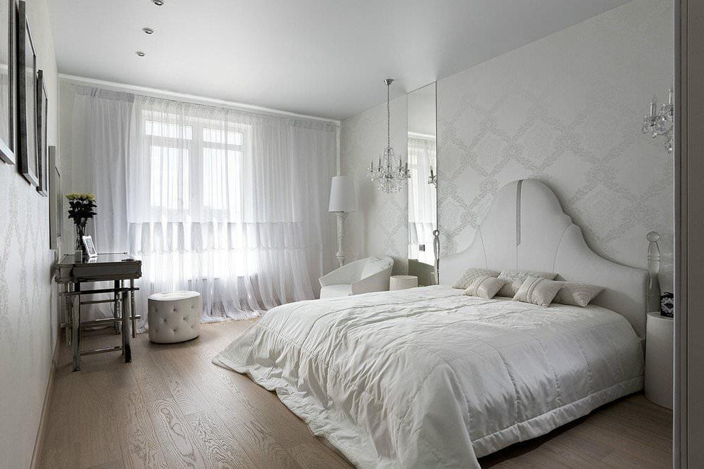 фото натяжной потолок в спальню