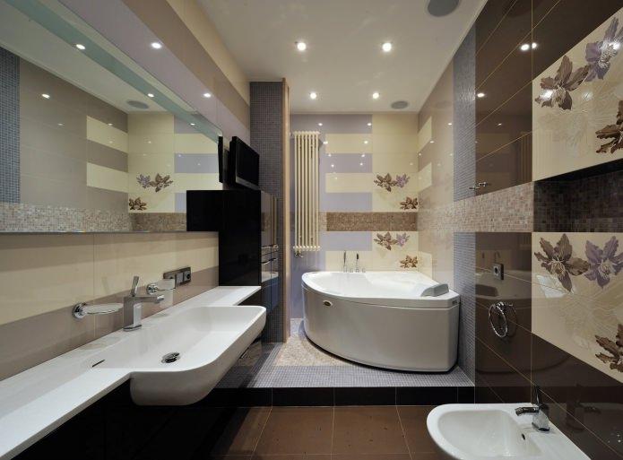 интерьер ванной с подиумом в современном стиле