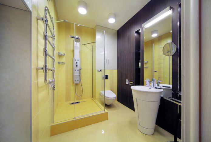 интерьер ванной с душевой кабинкой в современном стиле