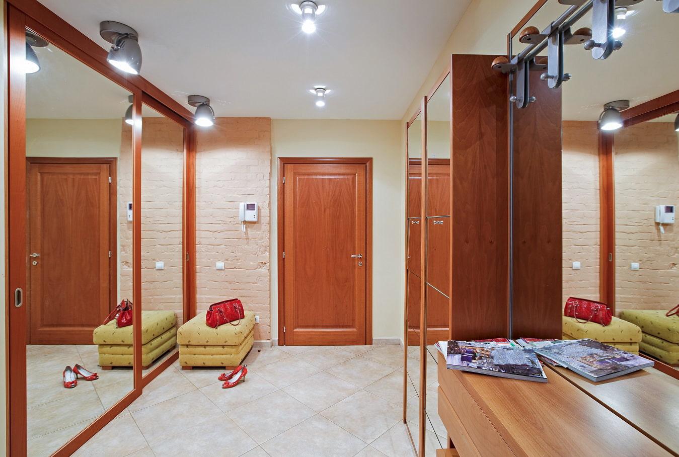 Как сделать с коридора комната