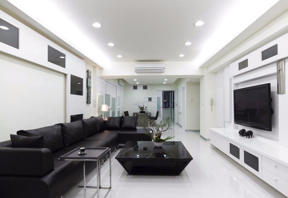 интерьер гостиной в черно белых тонах фото