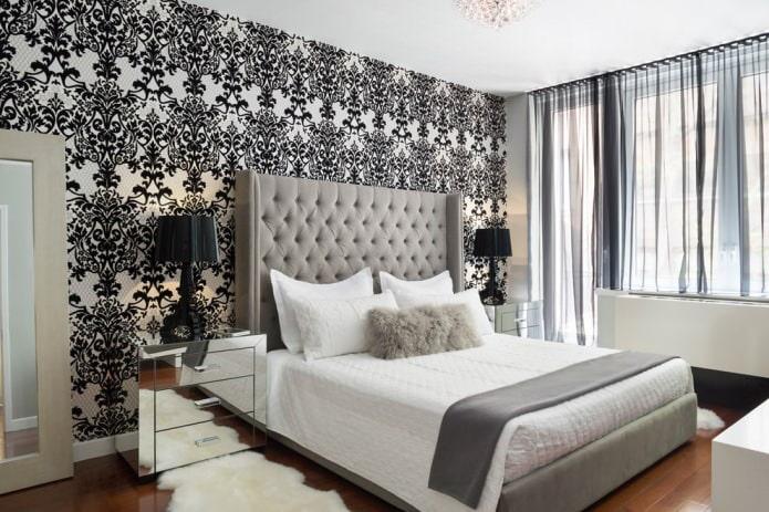 черно-белый интерьер спальни с добавлением бежевого цвета