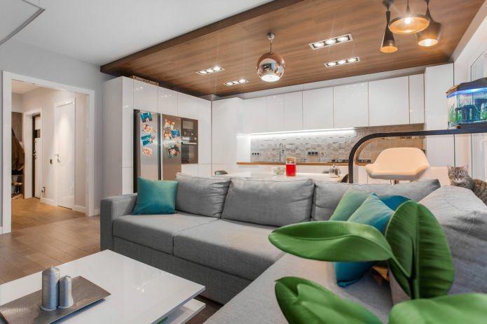 Потолок из ламината в интерьере гостиной