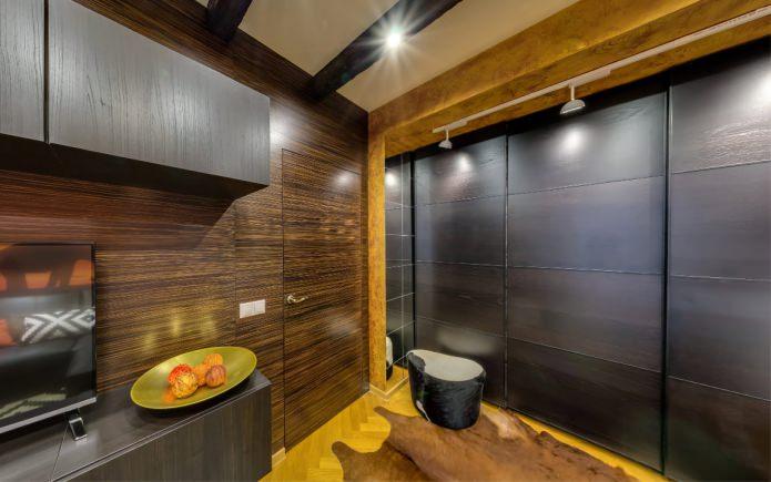коричневая межкомнатная дверь под цвет стен