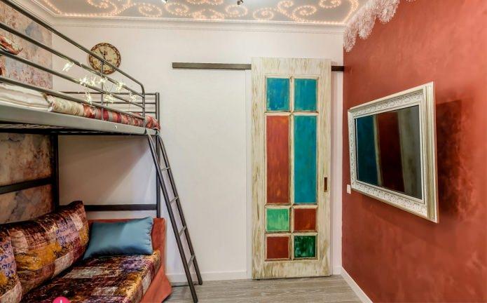раздвижная межкомнатная дверь в интерьере детской