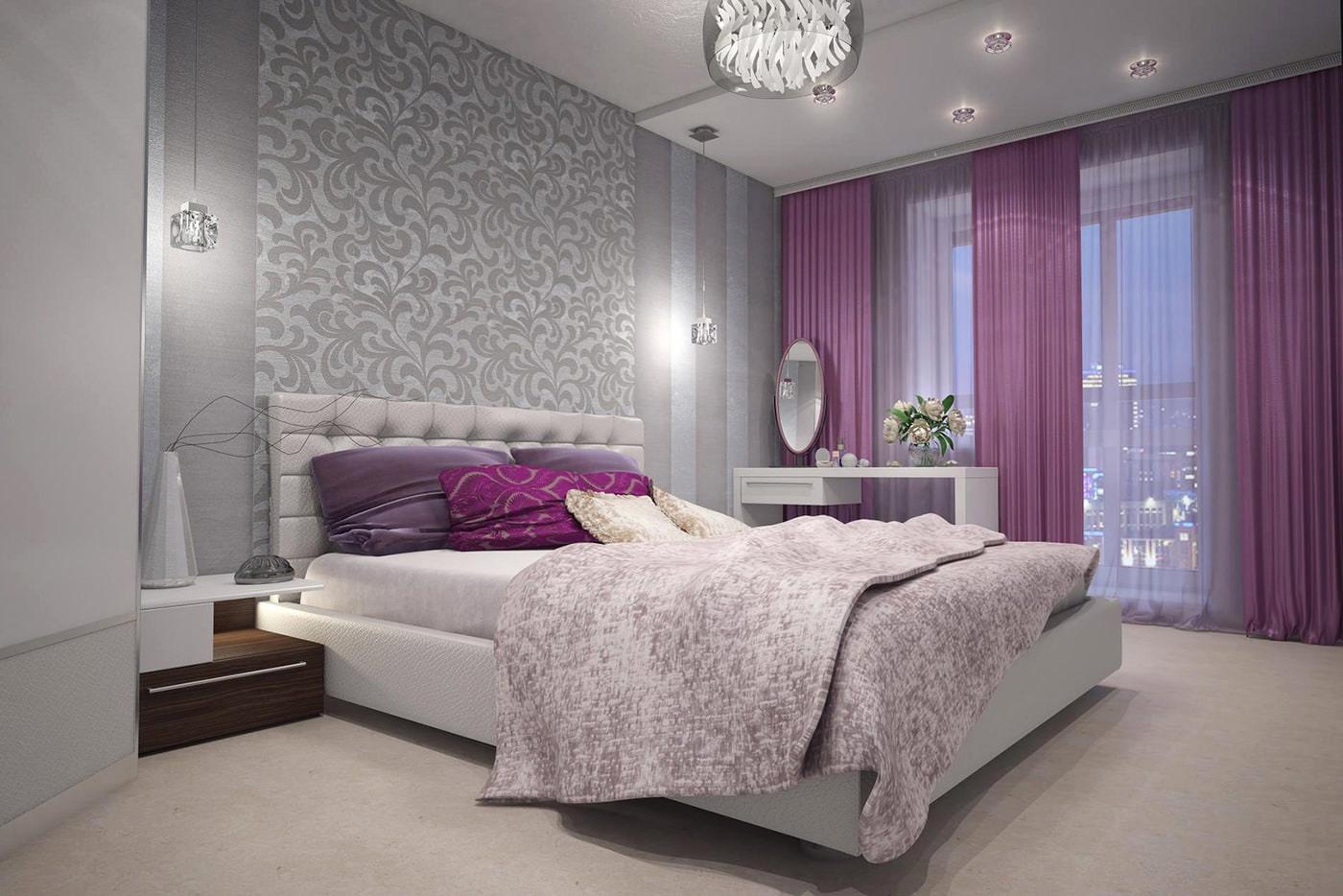 фиолетовые шторы в дизайне спальни с серыми обоями